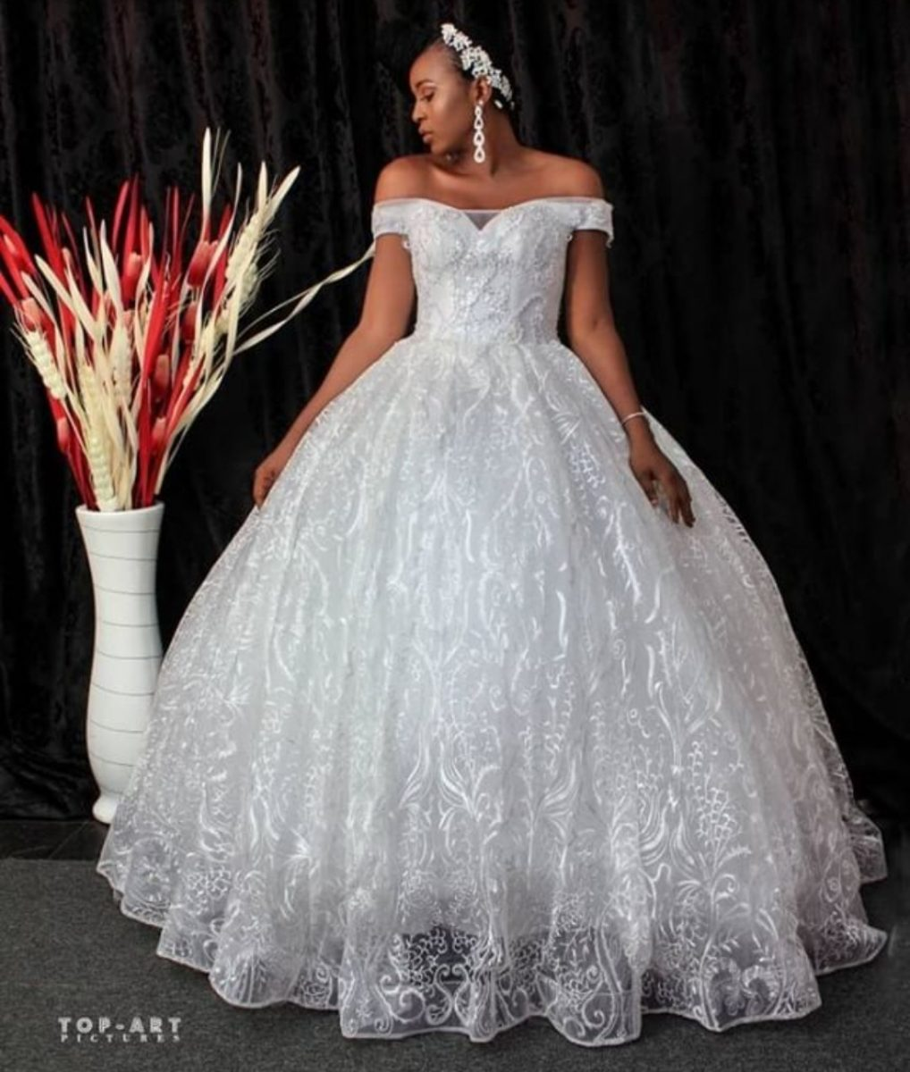The Bride Gowns For Wedding Reception: Styles Of Bride Gowns For Reception-ANKARA FASHION